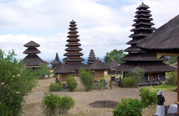バリ_ブサキ寺院